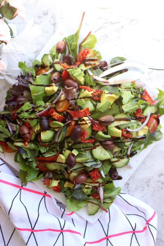 I feel like everyone needs a simple dinner party salad recipe up their sleeves. This salad is seriously so simple to pull together (a matter of minutes) and technically can be made during any season. Oh, and of course it's super healthy!