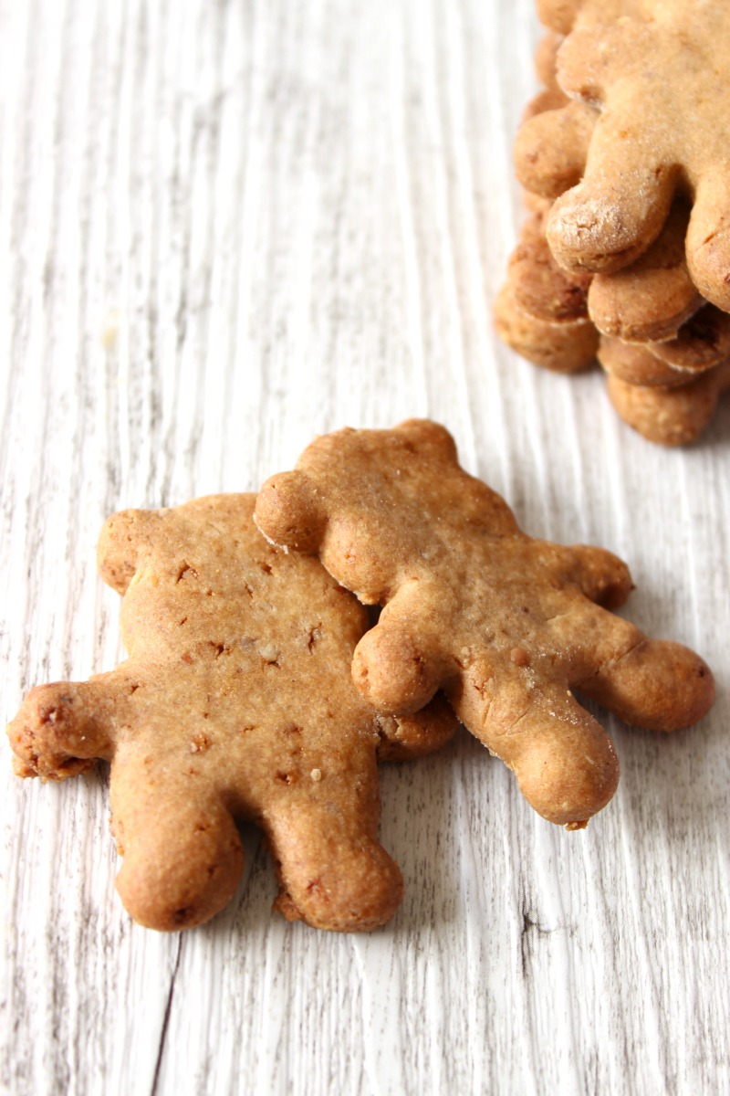 This fail-safe recipe for healthy tiny teddy cookies is one of the easiest recipes around. Ready in 15 minutes with links to all ingredients and cutters.